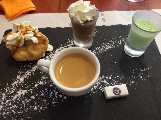Harfleur, Frankrike: Café gourmand à 3.50€ . Très bon rapport qualité prix