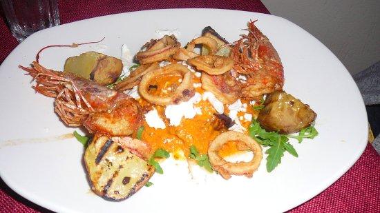 I Cannoli Trattoria Siciliana : sformato di melanzane,fritto di mare e ricotta salata