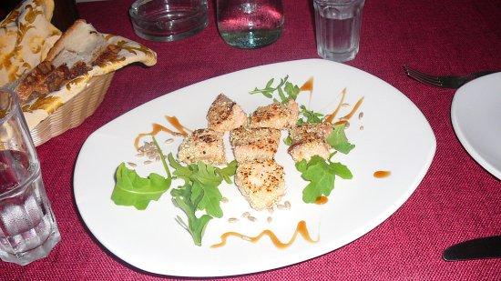 I Cannoli Trattoria Siciliana : antipasto di salmone,semi di sesamo e miele