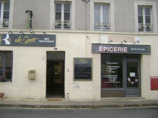 Genneteil, France: Un trés bon café. Réserver pour un repas de 10 personnes.