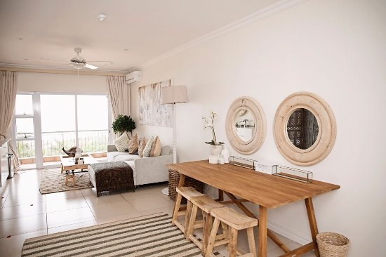 Umthunzi Hotel & Conference: Milkwood Suite Lounge