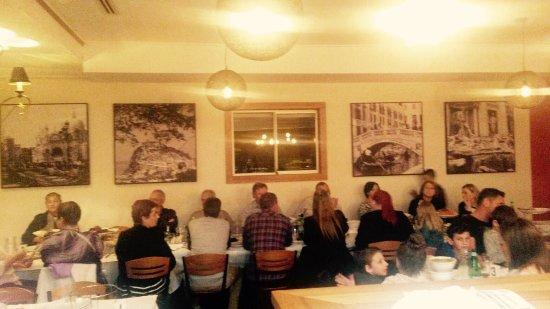 Wallacia, Австралия: Pietro Pizzeria Restaurant