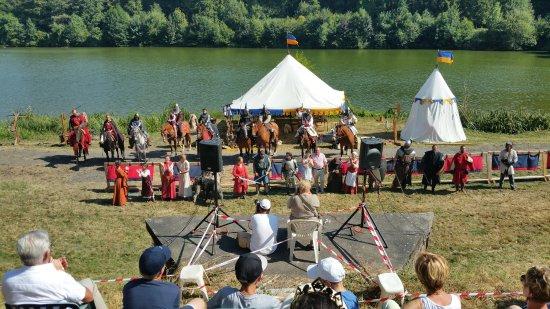 Haute-Normandie, Frankreich: spectacle équestre de la troupe ...