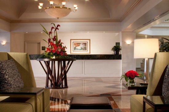 Embassy Suites by Hilton Las Vegas: Reception