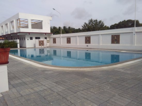 Swimming pool - Picture of OYO 10865 Heritage Shelters ...