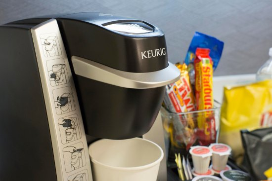 Embassy Suites by Hilton Detroit - Troy/Auburn Hills: Coffee Maker