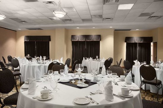 Embassy Suites by Hilton Atlanta Alpharetta: Banquet Room