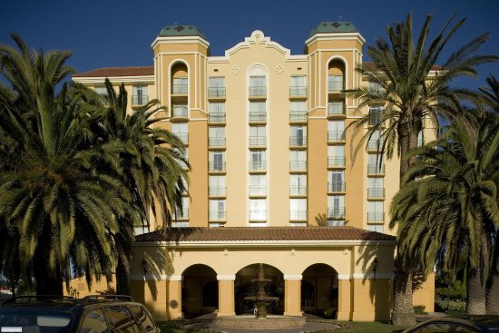 Embassy Suites by Hilton Hotel San Francisco Airport (SFO) - Waterfront: Hotel Exterior
