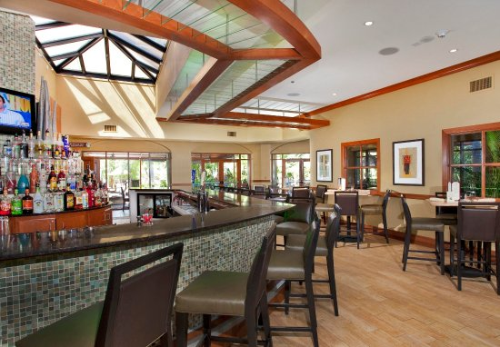 Embassy Suites by Hilton Fort Lauderdale 17th Street: E Spot Bar & Lounge
