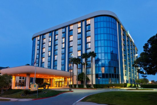 Embassy Suites by Hilton San Francisco Airport - South San Francisco : Hotel Exterior