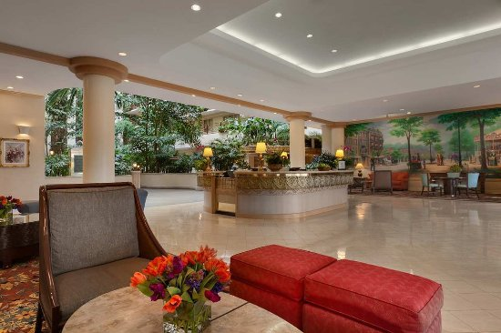 Embassy Suites by Hilton San Francisco Airport - South San Francisco : Hotel Lobby