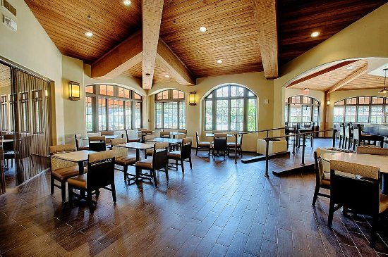 Embassy Suites by Hilton Mandalay Beach - Hotel & Resort: Coastal Grill