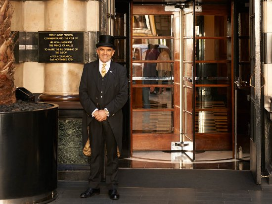 The Savoy Hotel Front Entrance with Doorman  sc 1 st  TripAdvisor : savoy doorman - pezcame.com
