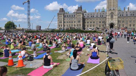 Ottawa, Canadá: Aulão de Yoga às Quartas-Feiras