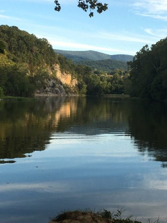 Rileyville, VA: View upriver from River Run Campsite