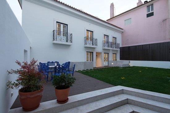 Alma Moura Residences