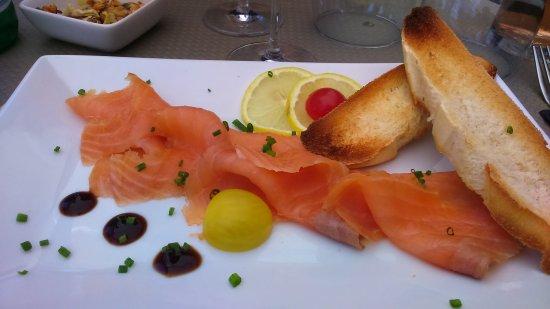 Merlimont, Γαλλία: tartare de saumon très frais un régal