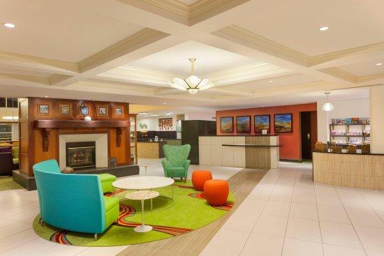 Homewood Suites by Hilton Reading: Front Desk Area