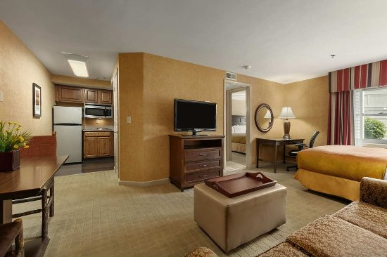 Liverpool, NY: Two Bedroom Suite Living