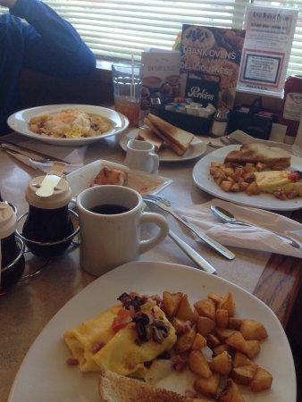 Grove City, بنسيلفانيا: Perkins Restaurant & Bakery