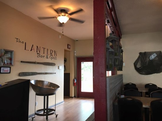 Briarcliff, TX: Welcome to The Lantern Bar & Grill