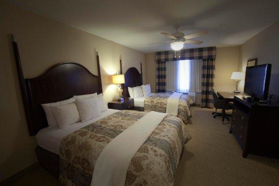 Homewood Suites by Hilton Albuquerque Airport: Queen Room