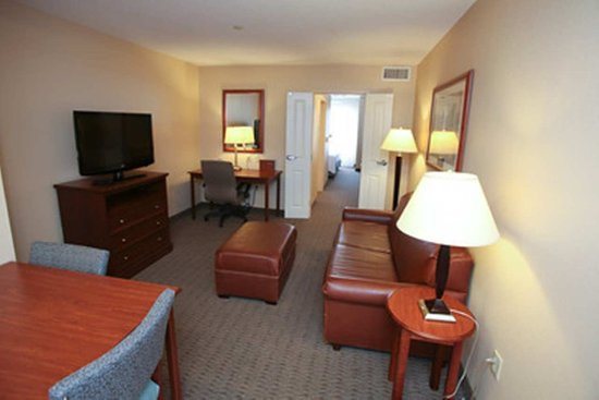 Orland Park, IL: Living Area Guestroom