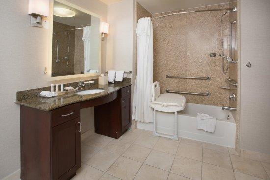 Avondale, AZ: ADA Bath