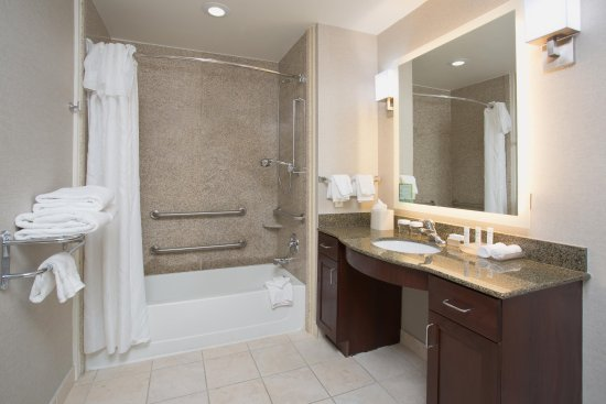 Avondale, AZ: Bath