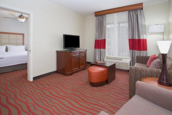 Avondale, AZ: One Bedroom Suite