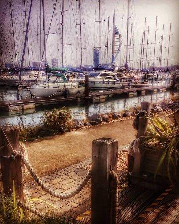 The Boat House Cafe Gosport Marina: Uitzicht vanaf het terras
