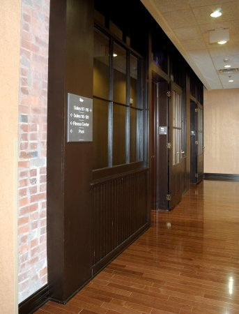 Homewood Suites by Hilton Indianapolis-Downtown : Interior Hallway