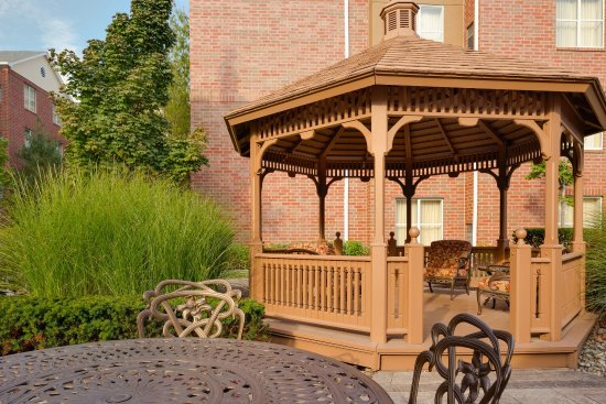 Homewood Suites Detroit Troy: Gazebo