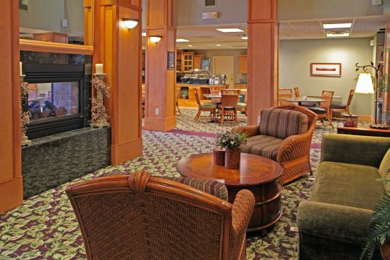 Plainfield, IN: Comfortable Lobby
