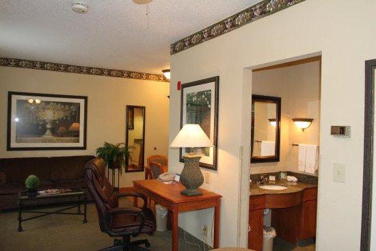 Plainfield, IN: Studio Suite
