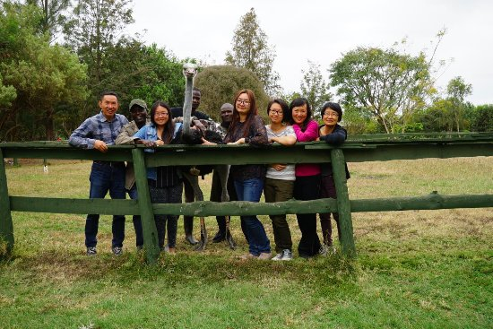 Maasai Ostrich Resort: Group photo with our lovely guides
