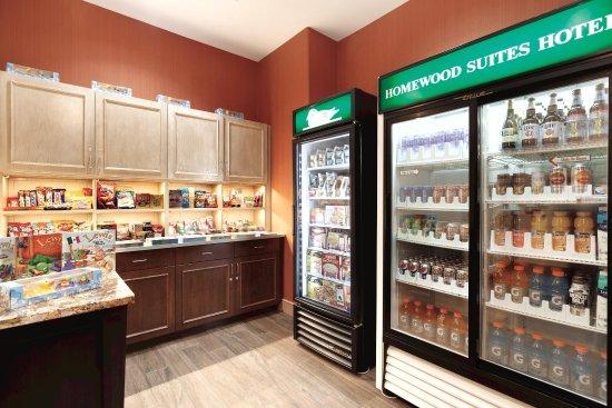 Homewood Suites by Hilton Vancouver-Portland: Suite Shop