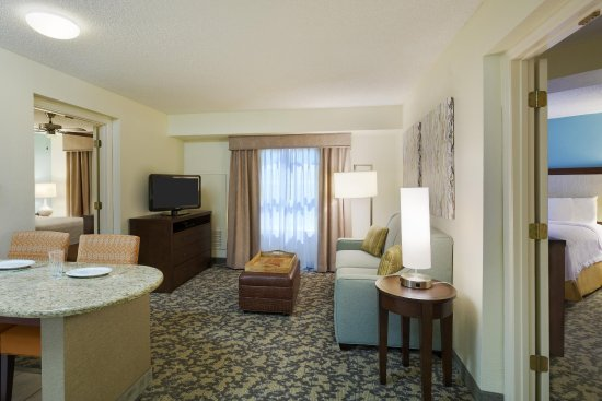 Homewood Suites by Hilton Raleigh-Durham AP / Research Triangle: Two Bedroom Suite Living Area