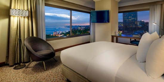 Hilton ParkSA Istanbul: Junior Suite with Bosphorus View
