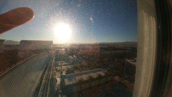 Hooters Casino Hotel: 20160915_072128_large.jpg