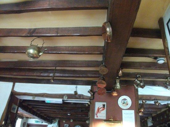 Waterlooville, UK: Beam ceiling