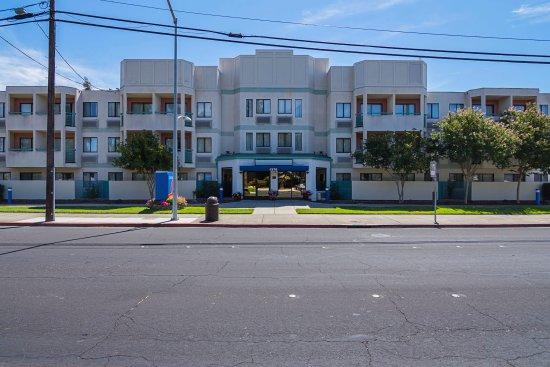 Конкорд, Калифорния: Exterior