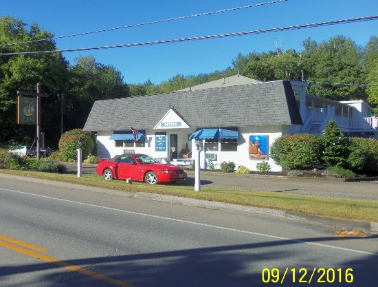Schooner Bay Motor Inn Photo