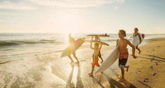 Hotel del Coronado: Family enjoying Del Watersports