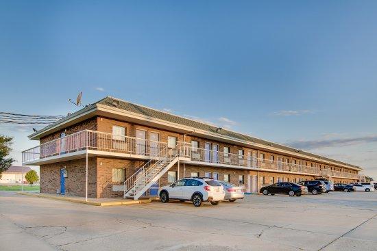 Motel 6 Salina: Exterior