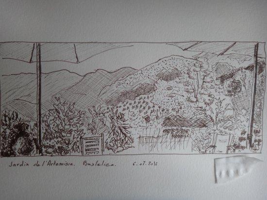 Boutique Hotel Artemisia : Vue du jardin zen sur les montagnes (encre de chine)