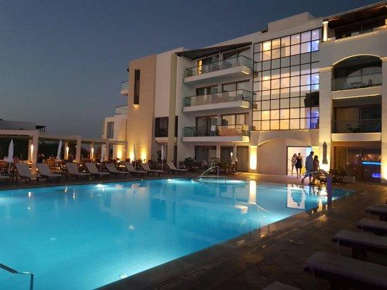 Albatros Spa & Resort Hotel: 20160821_202636_large.jpg
