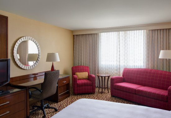 Irving, TX: King Guest Room - Concierge Level