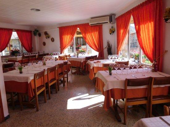 Setcases, Spanien: salle de restaurant le Pirineu