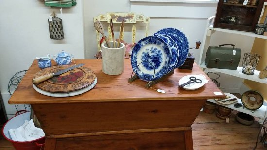 New Castle, DE: 2nd ACT Antiques Collectibles & Treasures